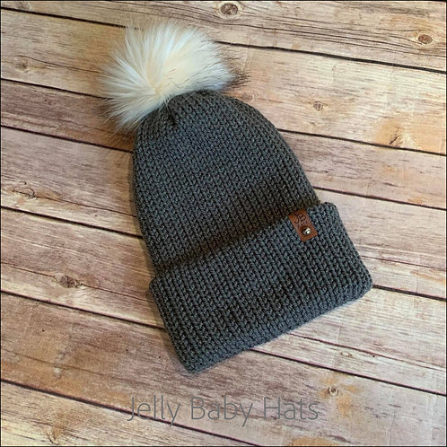 Faux fur bobble hat plain