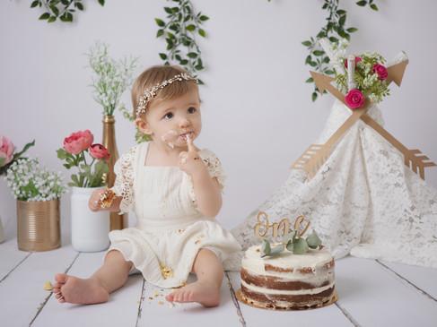 Séance Smash Cake du 1er anniversaire de bébé thème bohème