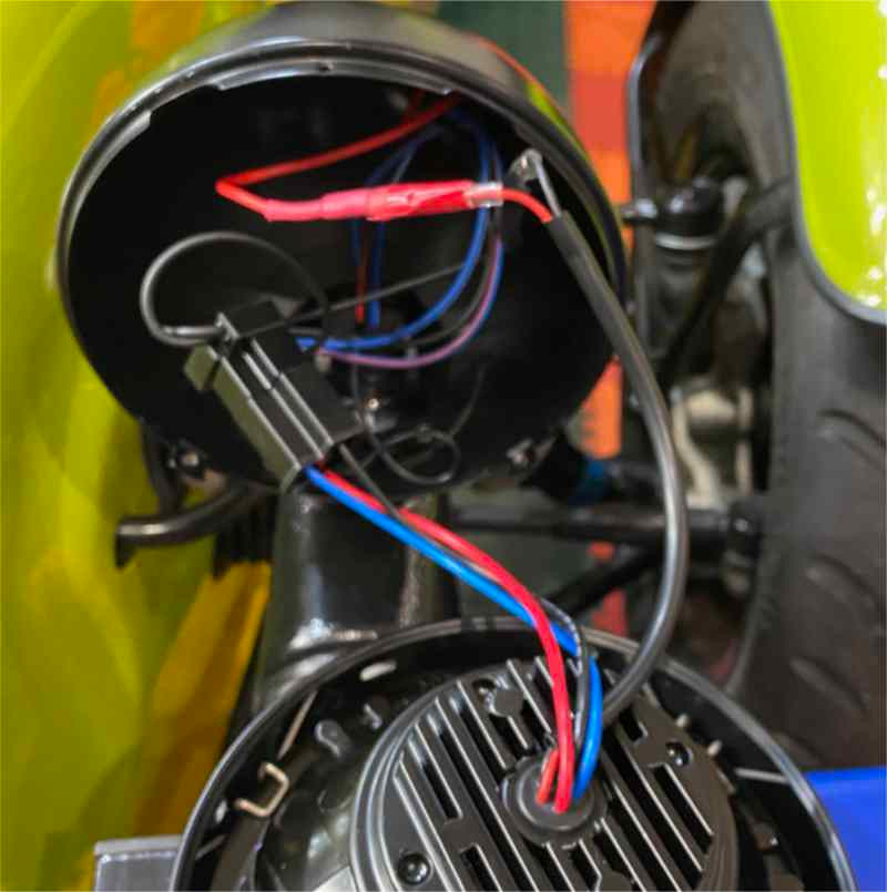 Simple wiring to reconnect the JAL headlight to the original connectors