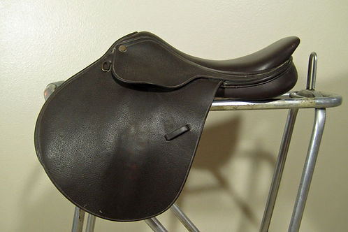 Collegiate Hunter Saddle: 17""