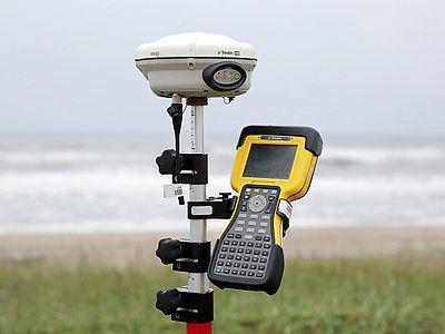 Trimble社製の R8s GNSS.jpg