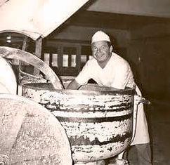 Faijan serkku Timo oli hyvä leipuri ja nykyisin eläkepäivillä maanmainio rumpali.jpg