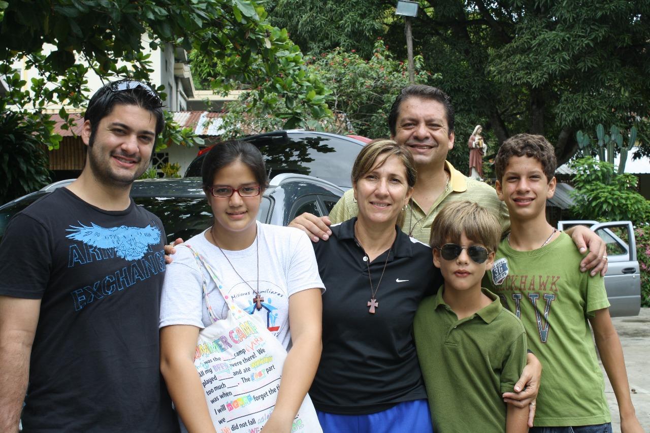valarezo misioneros 2014