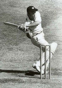 Ric-Charlesworth-batting-200x0
