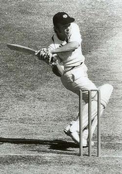 Ric-Charlesworth-batting-200x0