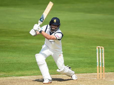 Rhodes Fires, Livingstone Takes Winning Catch - LVE English County Championship Wrap - Round 8