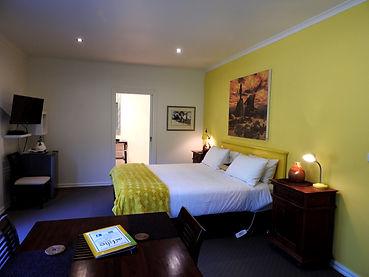 Devine room at Deville Healesville.jpg