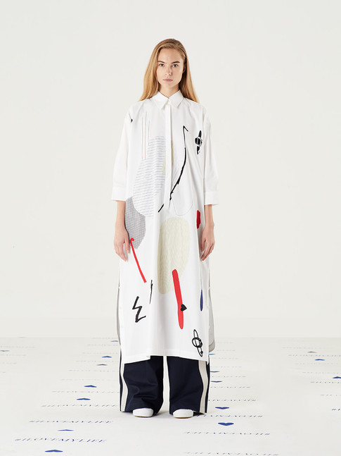 Space Graphic Dress - white = THB 4,250 Mission Chino Pant - Navy = THB 3,800