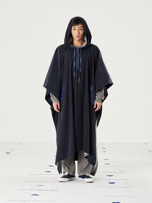 Space Raincoat - Beige = THB 8,500
