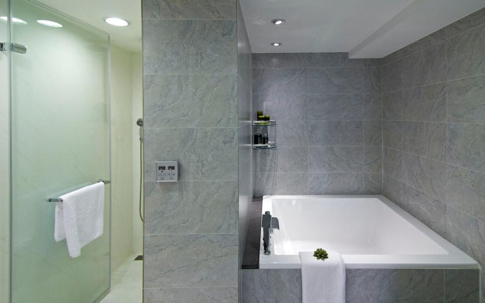 修改浴室水平.jpg