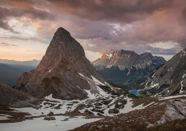 Seebensee and Sonnenspitze at sunset