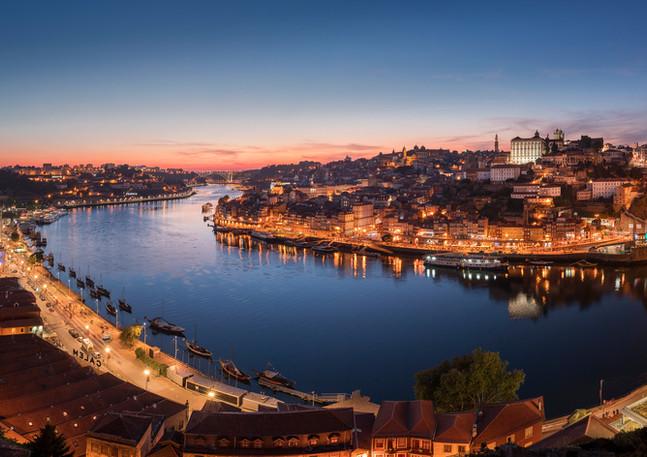 Panorama von Porto am Abend