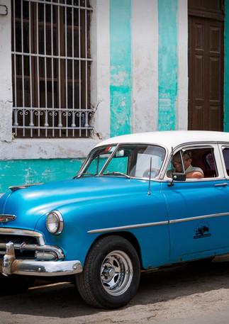 Oldtimer blau in Havanna Vieja