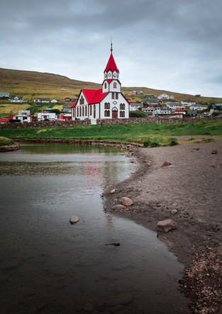 Kirche von Sandavágur auf Vagar, Färöer Inseln