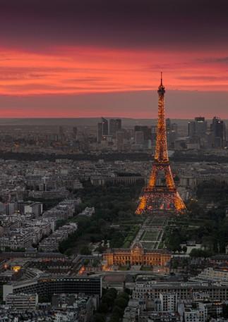 Paris von oben bei Sonnenuntergang