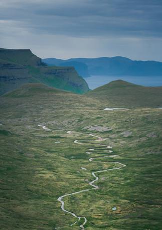 Fluss auf Streymoy von oben, Färöer Inseln
