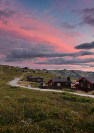 Rondane Dorf im Sonnenuntergang in Norwegen