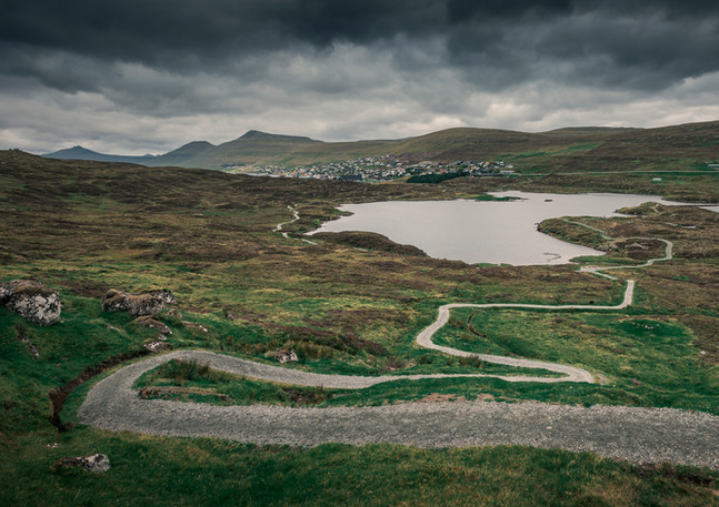 Wanderweg am See Toftavatn, Färöer Inseln