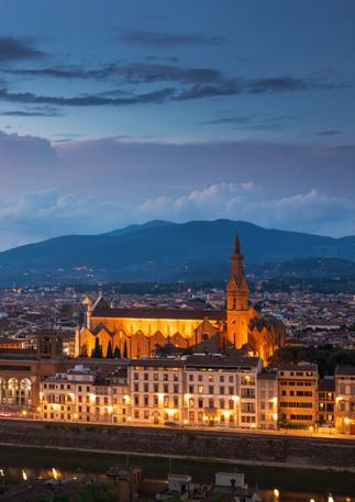 Skyline von Florenz bei Nacht