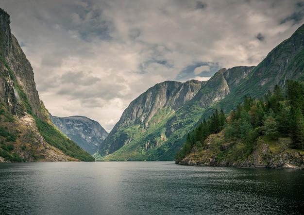 Aurlandsfjord in Gudvangen Norwegen