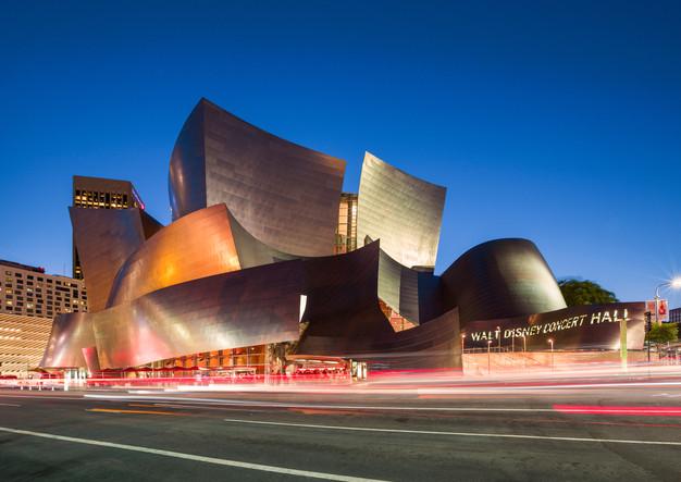 Walt Disney Concert Hall bei Nacht