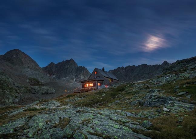 Adolf Nossberger Hütte im Gradental bei Nacht