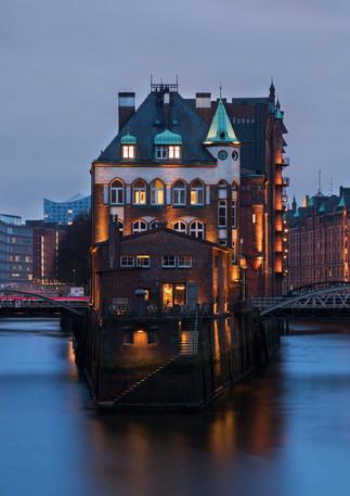 Hamburg Speicherstadt mit Wasserschloss