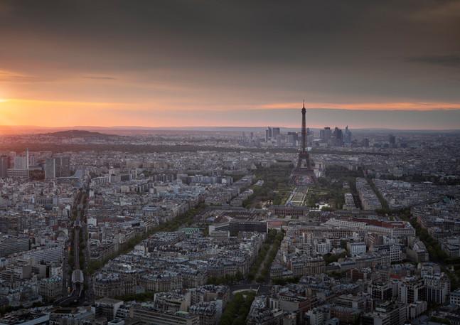 Skyline von Paris im Sonnenuntergang