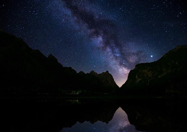 Toblacher See mit Milchstraße Dolomiten