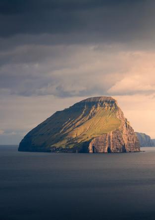 Insel Koltur im Sonnenuntergang, Färöer Inseln