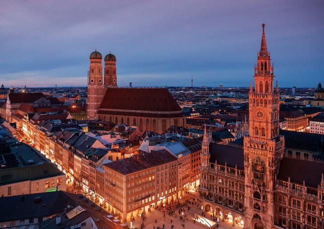 Frauenkirche München bei Nacht