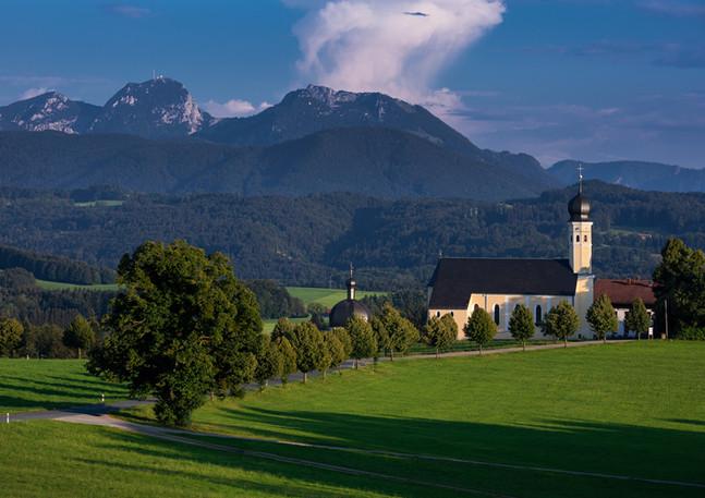 Wallfahrtskirche Wilparting im Sommer