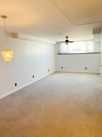 302 Owens Crescent Living Room