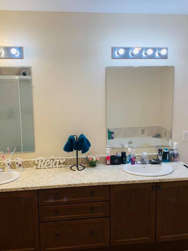 1487 Albany Dr Bathroom 3