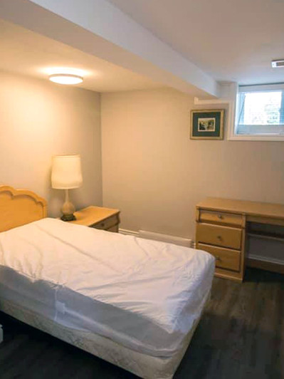 101_Fairway_Hill_Crescent_Bedroom_5