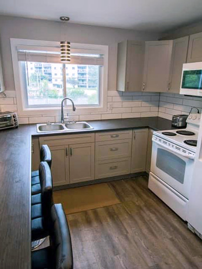 101_Fairway_Hill_Crescent_Kitchen