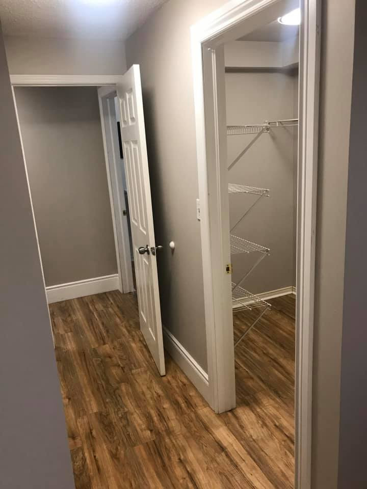 20_Cartwright_Walk-in_Closet