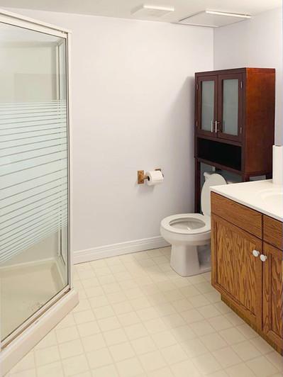 302 Owens Crescent Bathroom