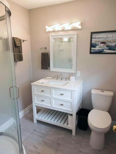 101_Fairway_Hill_Crescent_Bathroom