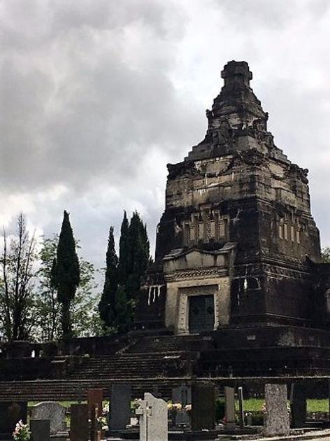 mausoleo-della-famiglia CRESPI.jpg