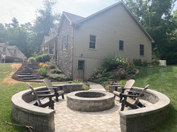 Perfect spot for a campfire with family and friend, we also did the large staircase to the left and