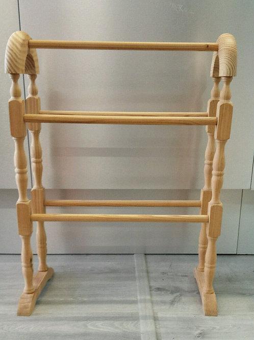 Toallero de pie en madera natural de 80 cm de alto