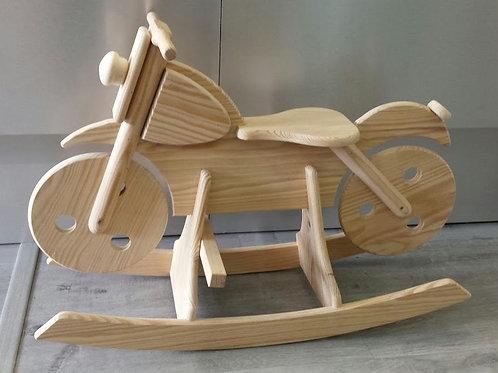 balancín modelo moto en madera natural de pino
