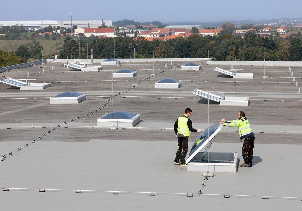 2021-LAMILUX-TALE-Dachsanierung der Indu
