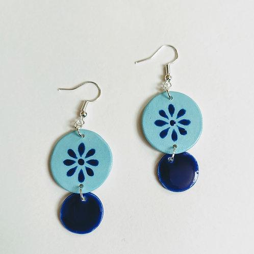 Blue daisy double circle earrings