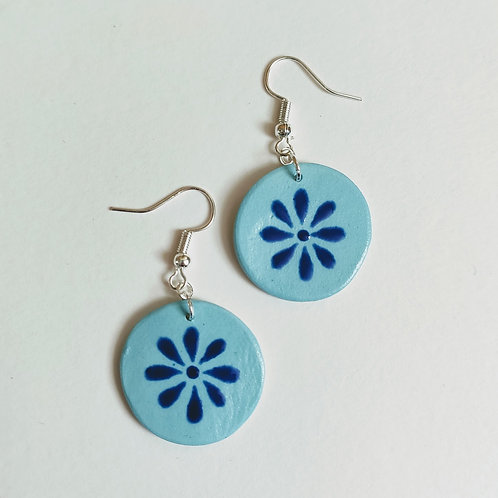Blue daisy circle earrings (M)