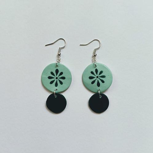 Green daisy double circle earrings