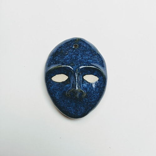 Decorative mask with lapis effect