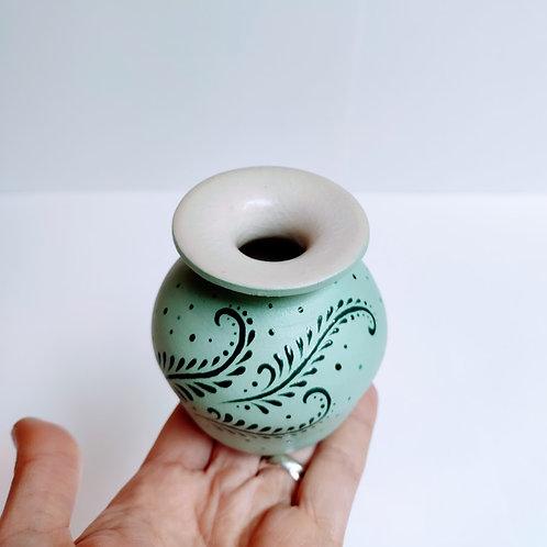 Mini vase with glaze decoration