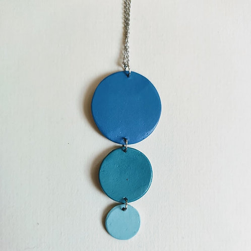 Minimal 3-circle necklace